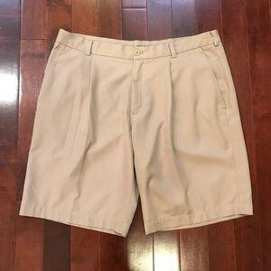 Nike Golf Pleated Athletic Shorts Size 38